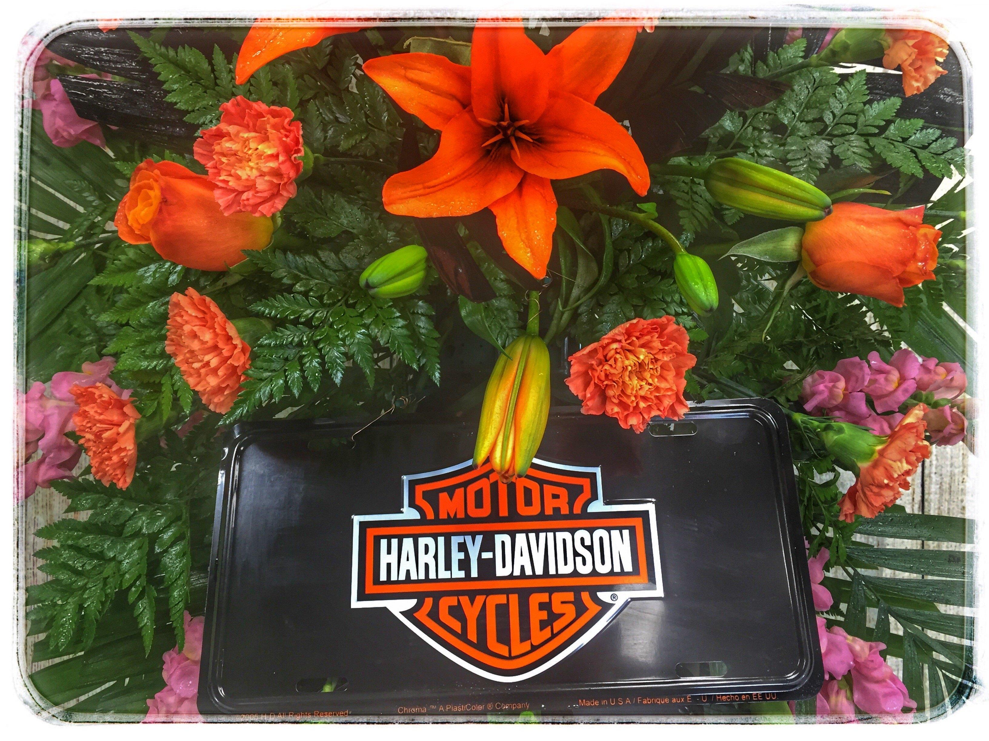 Ride On Sympathy Spray Petals Flower Shop Best Florist In Indiana