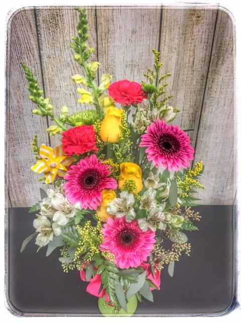 Sunshine Daydream Spring Flower Collection by Petals. Locally Owned, 5 Star Florist. Order Online, Same Day Delivery. Free Personalization with every order.