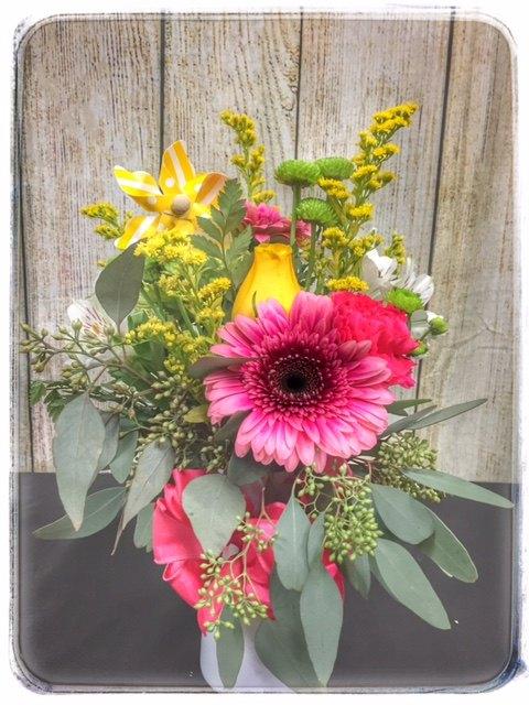 """""""Daydream"""" spring flower arrangement from Petals"""